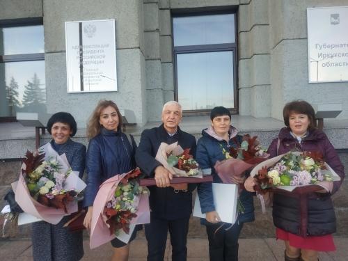 Сотрудникам Иркутского областного госпиталя ветеранов войн вручены награды Президента РФ за борьбу с COVID-19